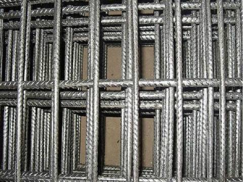 Hot dipped galvanized concrete reinforcing mesh with rectangular shape mesh opening.